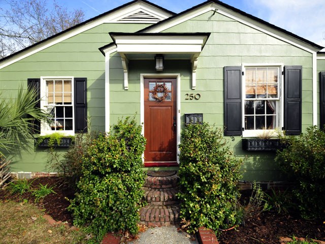 Front of 250 West Poplar Street, Charleston