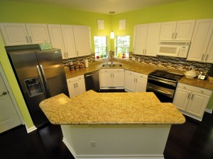 Gourmet kitchen at 1325 Wynbrook Trace