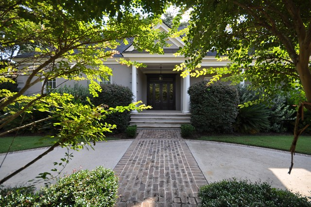1437 Burningtree Road in Country Club II