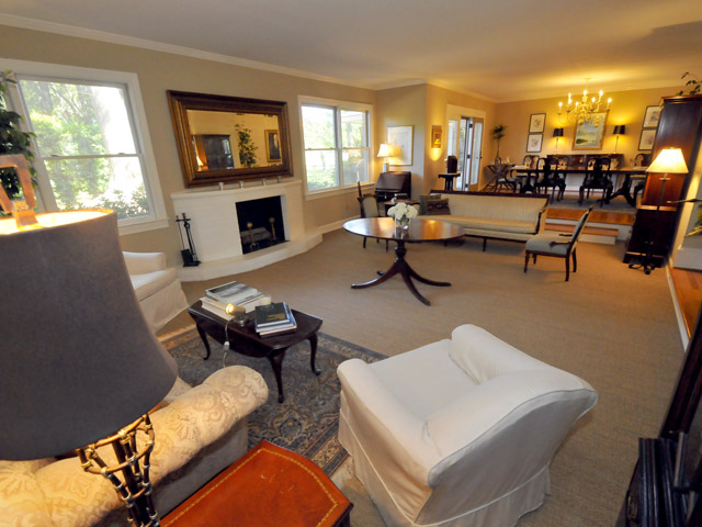 Living room at 1570 Fairway Drive