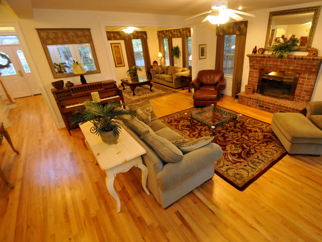 3885 Sweet Briar Court family room
