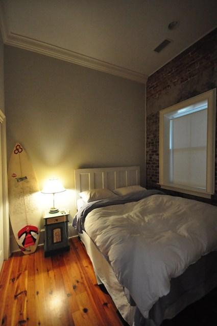 85-6 Cumberland bedroom