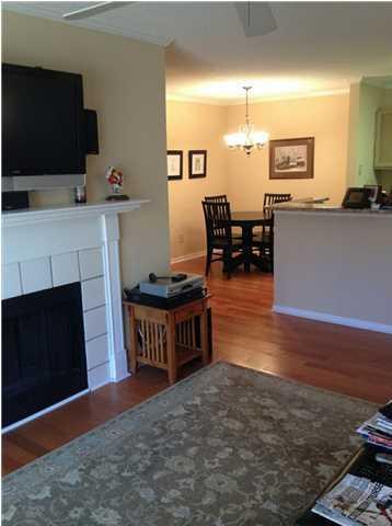 2011 Hwy 17N living room