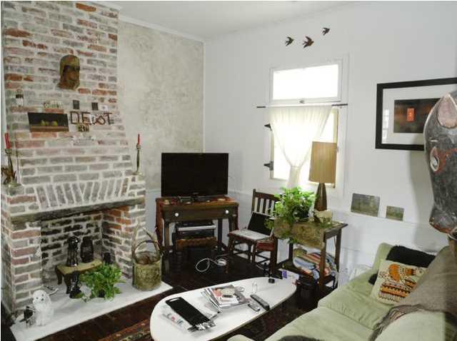 Living room at 2 Larnes Street