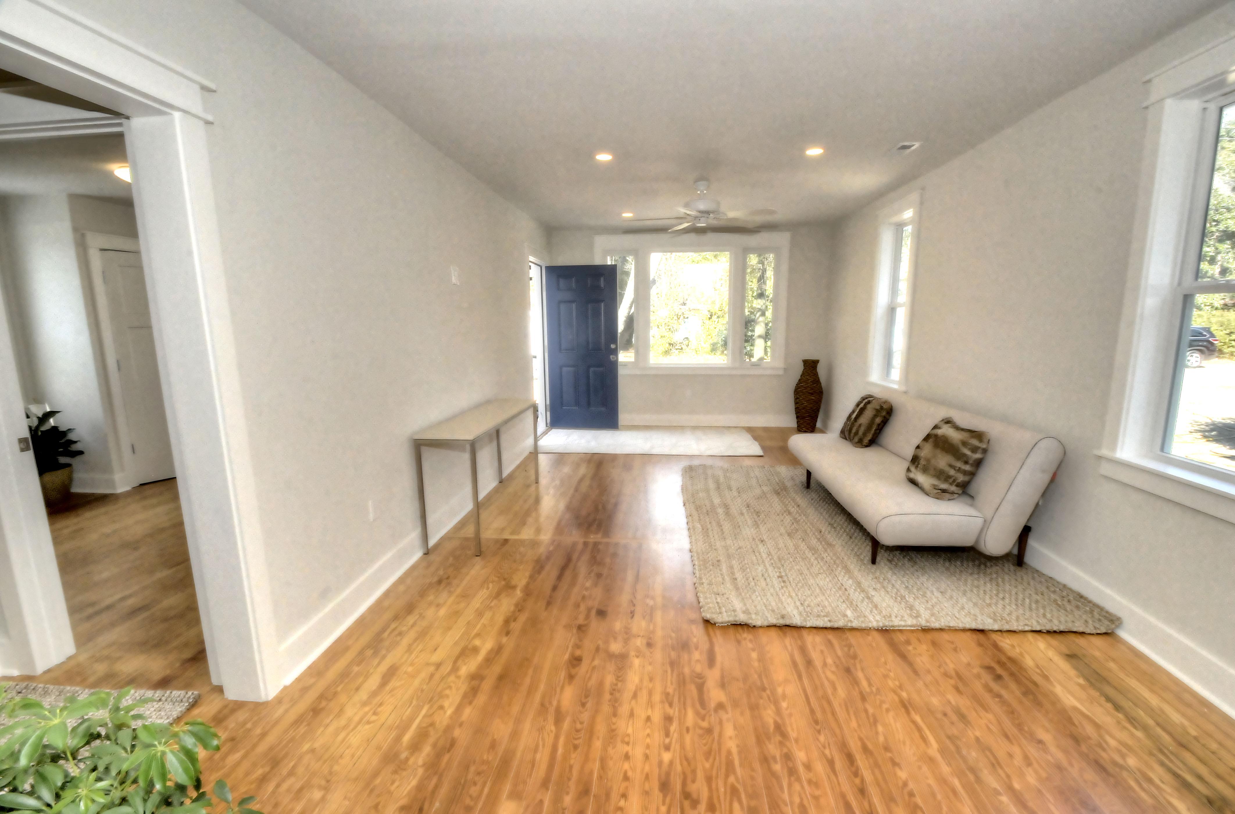2065 Medway Road living room